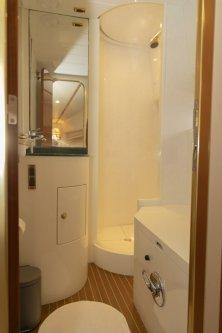 Master bedroom wc/shower/bidet