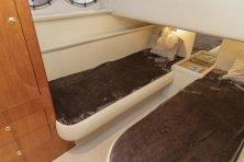 2 mands kahyt med 2 enkl. senge