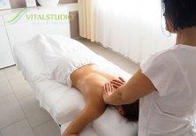 Natalia Amann bei der Massage