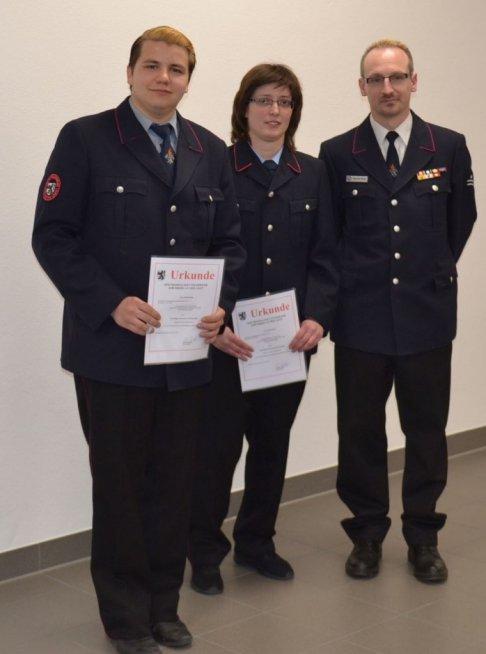 v.l.n.r Kirill Kirillov, Katja Bauer mit Kommandant Alexander Müller