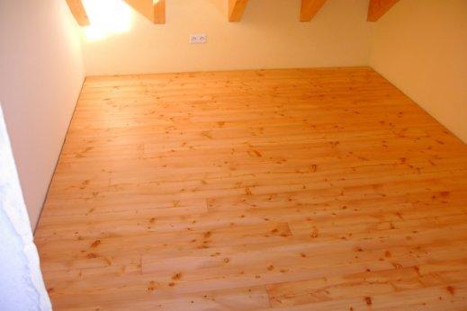 Innenausbau-mit-Holz-Giede