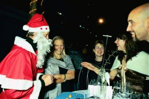 Spaß mit dem Zauberer-Weihnachtsmann