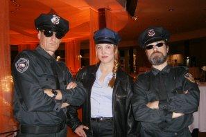 Cop Walking Act Mannschaft beim Ball der Wirtschaft