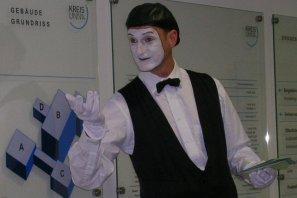 Pantomime lernen ist ein großer Spaß für Körper, Geist und Seele.