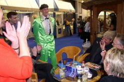 Magician for fairs on booth party