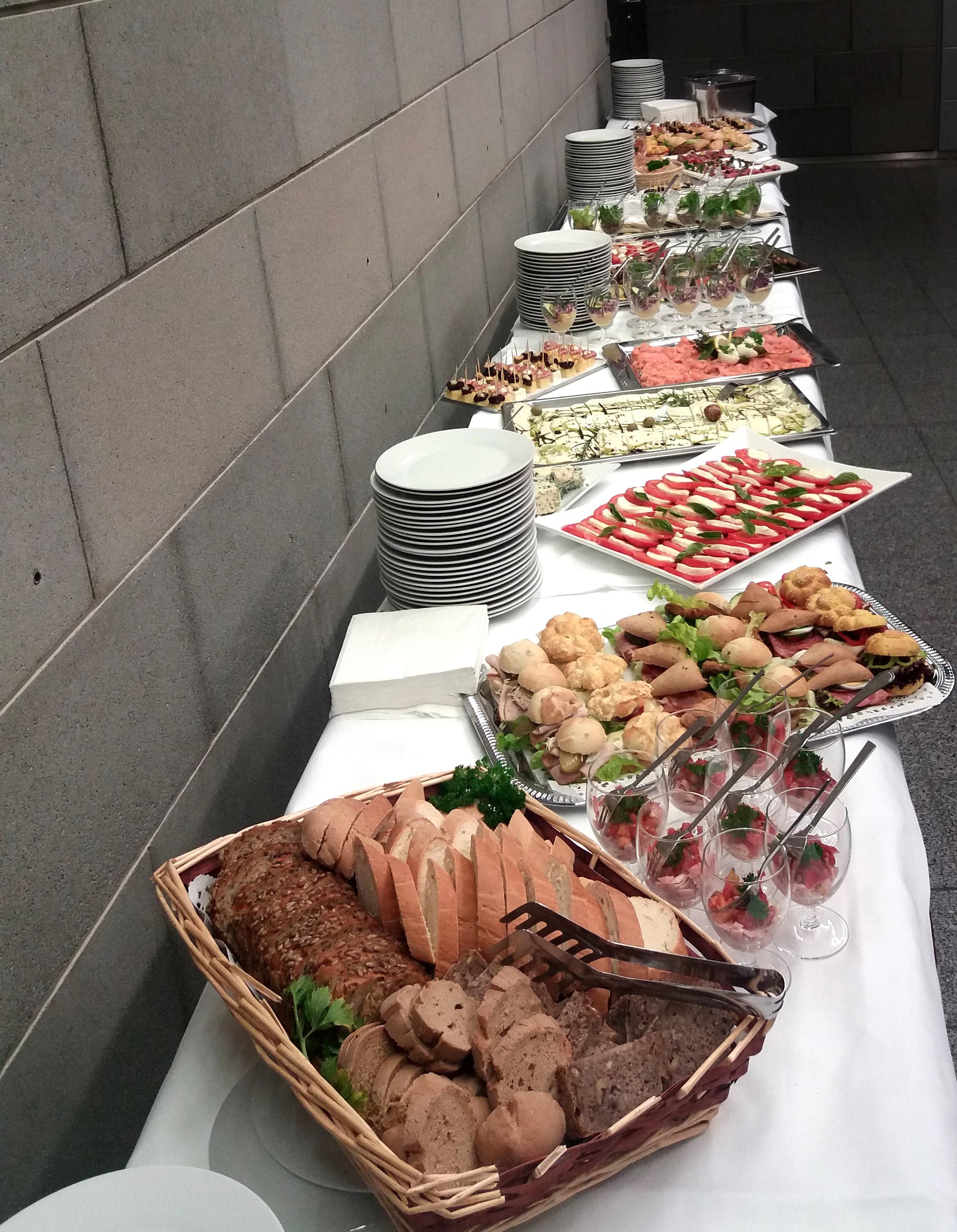 buffet_2.jpg