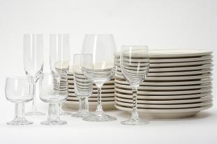 Geschirr und Gläser mieten