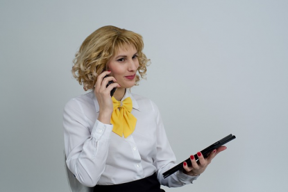 business-woman-2180500_640.png