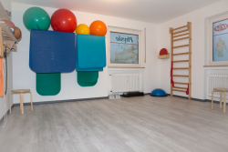 Physiotherapie Krankengymnastik Übungsraum Therapie Dortmund