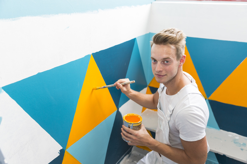 young-apprentice-painter-in-professional-training_s.jpg