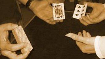 Zaubern lernen für Erwachsene mit dem großen Bagatello bringt jede Menge Spaß.