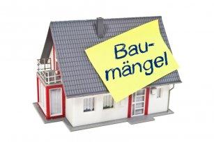 Haus_mit_Zettel_und_Baumaengel_2.jpg