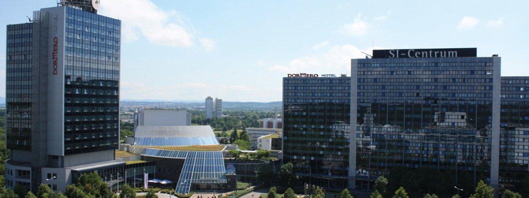 dormero-hotel-stuttgart-au_enanischt-tag-schmaler-banner.jpg