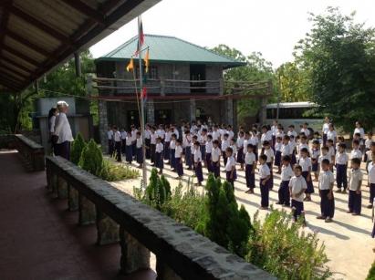 Eric Trutwein & children on 1st day of new school year