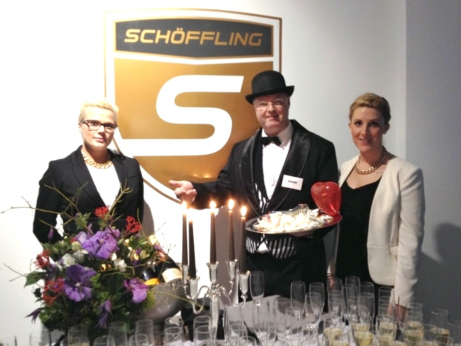 Comedy-Kellner Frankfurt - Messestand - komischer Butler - Künstler