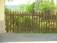 Zaun aus Holz - Palisadenzaun