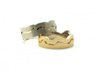 Ringe aus Gelb- und Weissgold als kontrastsetzende Eheringe