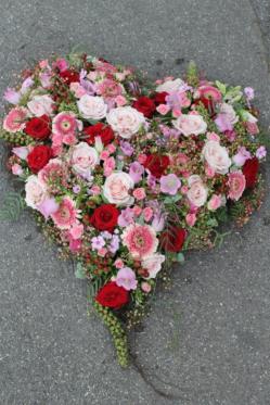 Blumenherz-rosa-rot-Blumen-Traum-Dekoration.png
