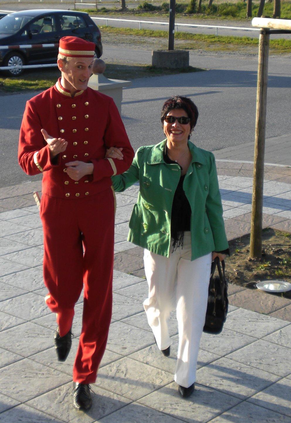 Bester Empfang! Willkommens Walking Act von EventComedy