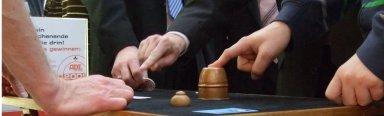 Unschlagbares Entertainment wird bei den PAGEN zum Beispiel auch durch Bagatellos Hütchenspiel realisiert.